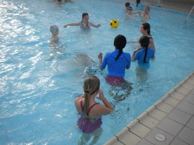 Primaire_Activites-sportives_piscine-1