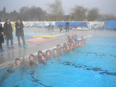 Primaire_Activites-sportives_piscine-2